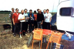 Photo de groupe du Radio Club F6KGT lors du contest F8TD en 1995.